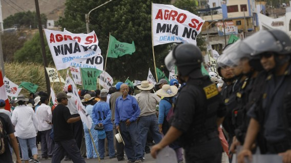 Tía María: Gobierno impondrá la ley si se mantiene bloqueo de vía que impide la llegada de ayuda a Ubinas