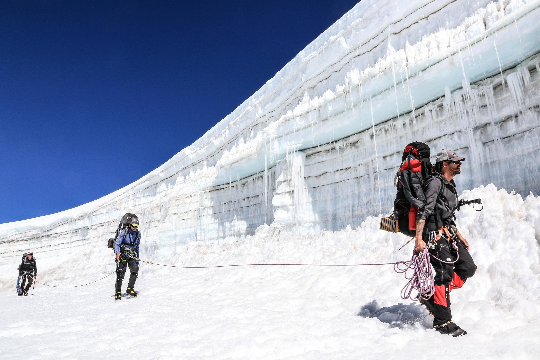 La expedición al glaciar en Cusco que alerta el peligro en las cumbres peruanas