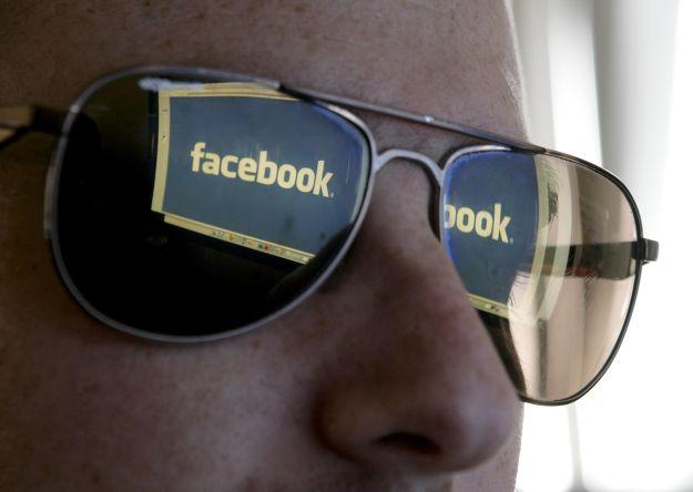 Espiar a los ex en Facebook alargaría el proceso de recuperación emocional