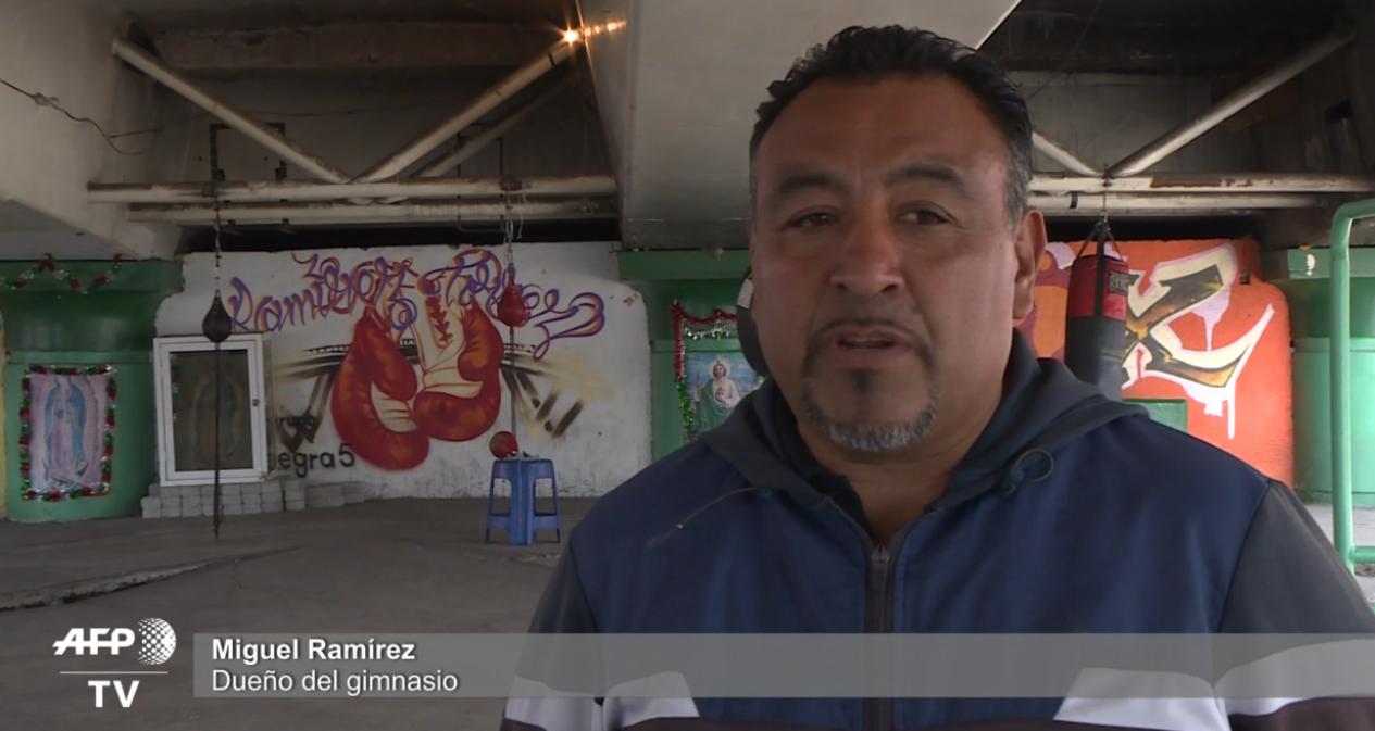 En la imagen, Miguel Ramírez, taquero y dueño del gimnasio. (Foto: AFP)