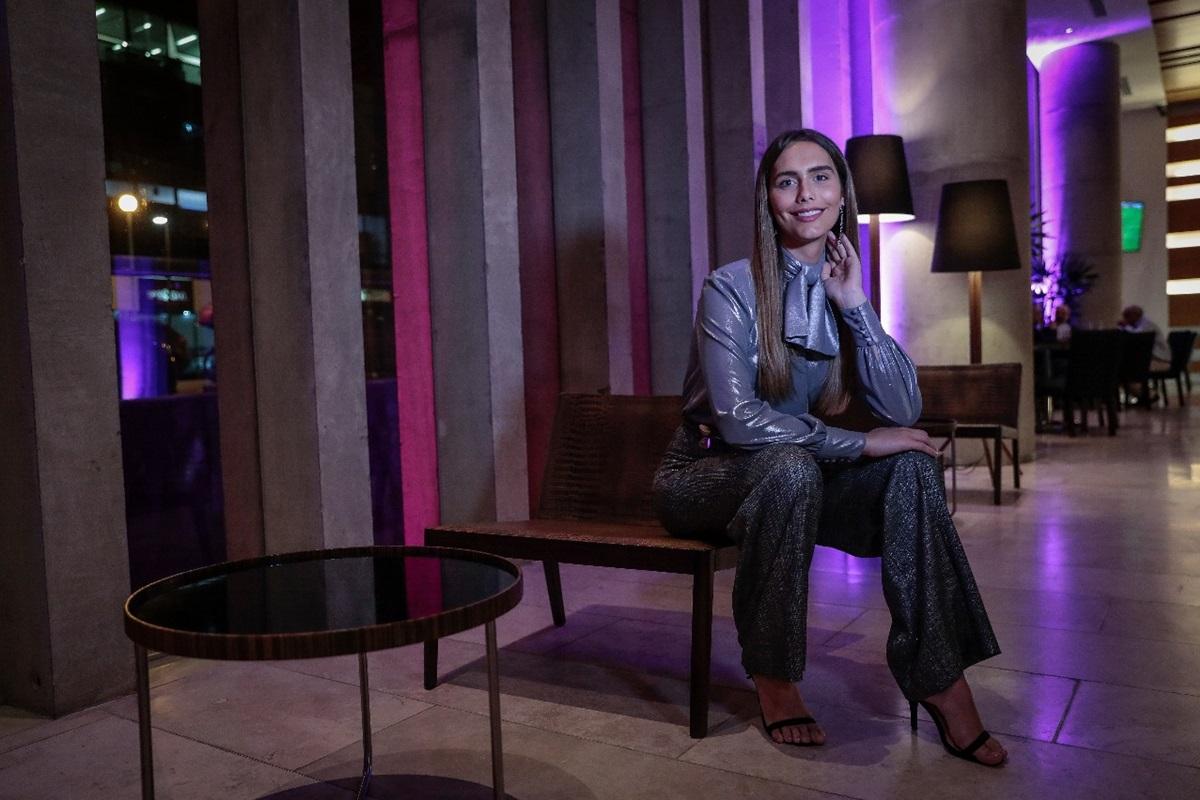 "Miss España Ángela  Ponce: ""No nací fuerte, la vida me obligó a serlo"" | ENTREVISTA"