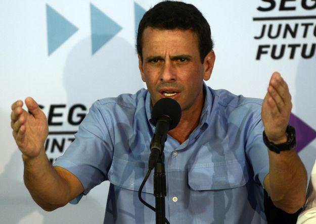 Oposición venezolana lamenta que OEA acepte que se aplace asunción de Chávez