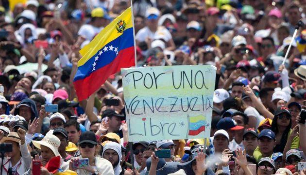 Venezuela celebra Día de la Independencia con protestas en las calles