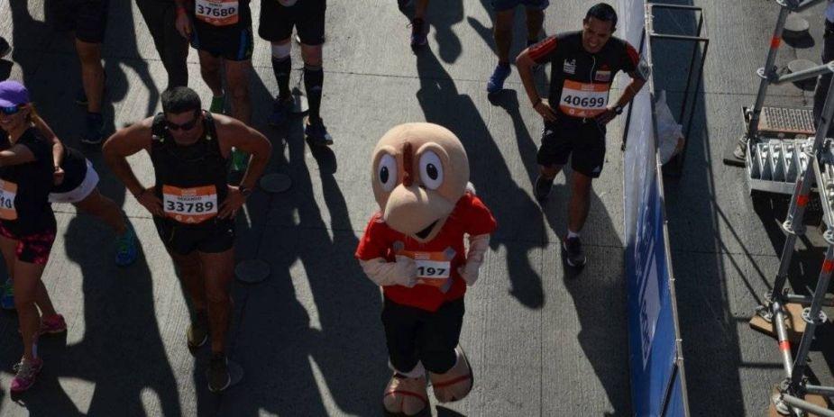 Condorito también corrió la Maratón de Santiago