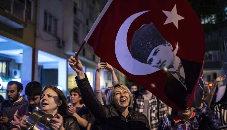 Nuevas protestas nocturnas en Estambul tras la anulación de las elecciones