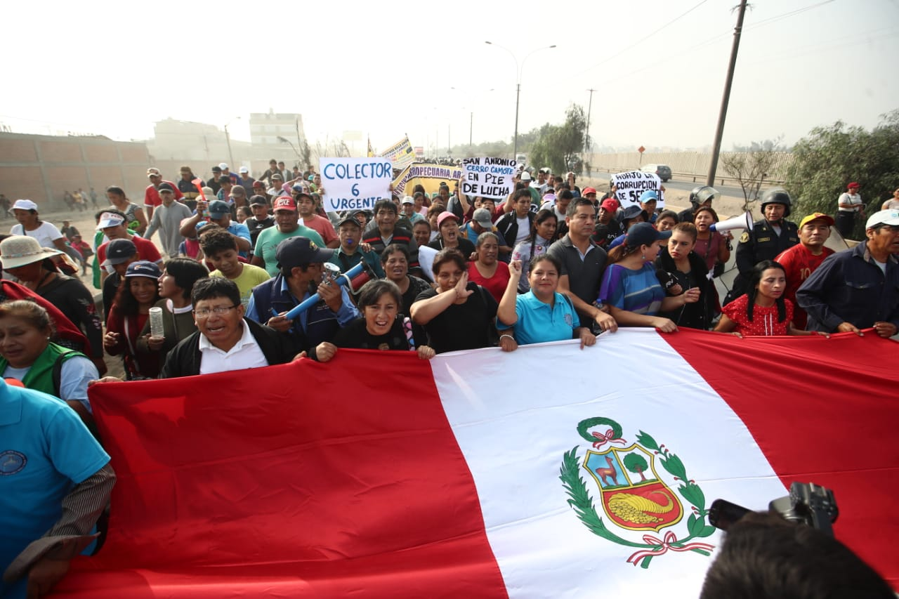 Huachipa: cientos marchan para exigir a Sedapal obras de agua potable |VIDEO y FOTOS