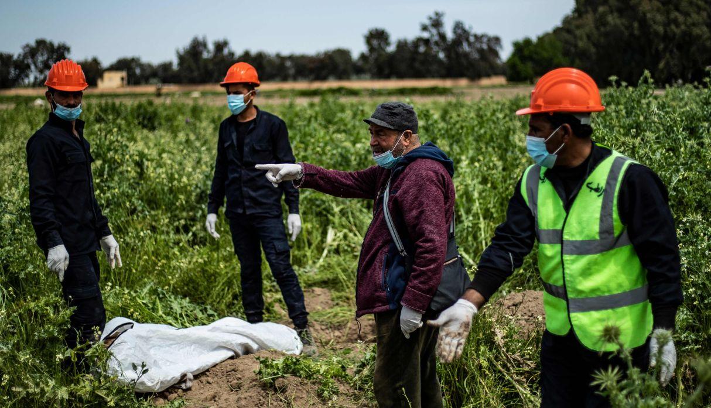 Siria: Hallan 200 cuerpos en fosa común cerca de Raqa, ex capital del Estado Islámico