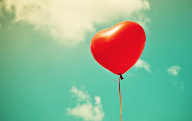 San Valentín: los hombres son quienes más compran regalos el 14 de febrero