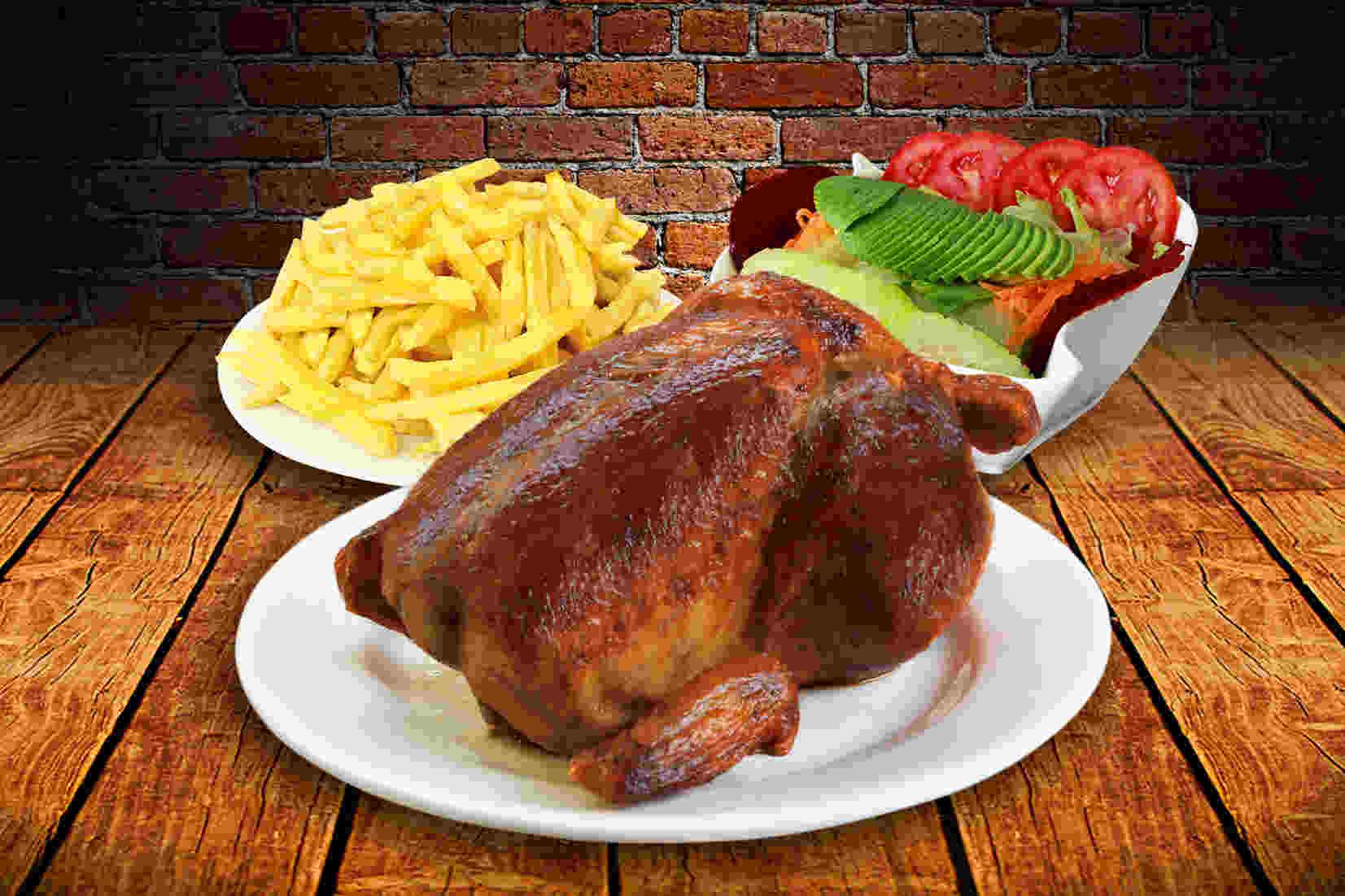 Peruanos comerán más de un millón de pollos a la brasa este domingo