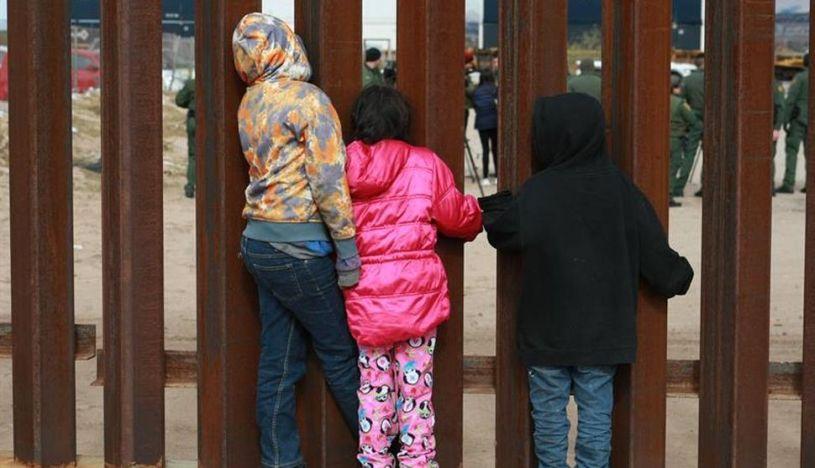 Advierten desprotección de niños migrantes solos en frontera entre México y EE.UU.